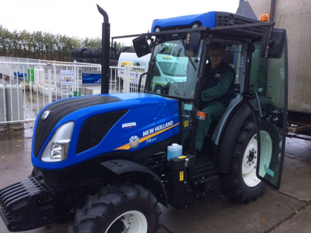 New Holland T4.100V