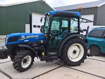 New Holland smalspoortrekker
