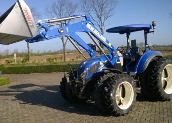 New Holland T4.95 met dubbellucht