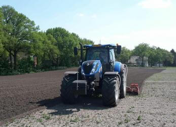 New Holland T7 trekker
